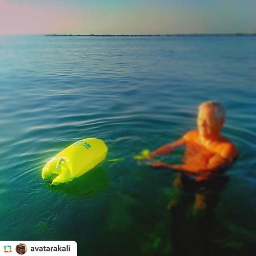 Where in the world is the New Wave Swim Buoy now? Cyprus  @avatarakali:#randomstrangers helping with the #newwaveswimbuoy photoshoot at #cyprus #sunriseswim  #iloveswimming #mediterranean #mediterraneansea #swimsafe #swimming #swimsafety