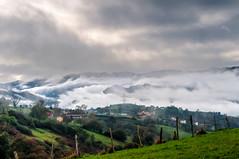 Paisaje nuboso (ccc.39) Tags: asturias oviedo sanestebandelascruces aramo montes sierra niebla nuboso nublado otoo