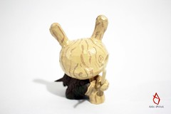 Carved Dunny (AlanUrb) Tags: art carved designer vinyl custom dunny arttoy designertoy vinyltoy customtoy designervinyl artoy woodendunny alanu alanurbina dunnymx dunnyhechoenmexico dunnymexicano alanuarttoy