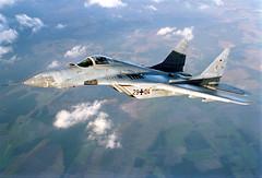 MiG-29 Fulcrum (Offizieller Auftritt der Bundeswehr) Tags: deutschland meer wolken frontal airtoair luftwaffe luftaufnahme flug mig29 gewässer kampfflugzeug laage mikojan überflug strahlflugzeug bundeswehrfotos