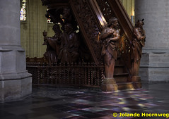 olv_over_de_dijlekerk_03 (Jolande, kerken fotografie) Tags: belgie belgië ramen kerk mechelen glasinlood orgel architectuur jezus kruis vlaanderen preekstoel altaar olvoverdedijlekerk