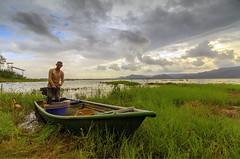 Juragan Tasik Timah Tasoh (<Pirate>) Tags: sunset timah tasoh lake perlis landscape boatmen waterscape grass boat sky colors hill fish empangan october 2nd 2016 1018 is stm ray masters gnd 6hard