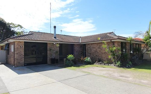 7 Discovery Drive, Forster NSW 2428