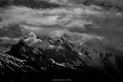 Mont Blanc dans la Tourmente (N/B) (Frdric Fossard) Tags: grain texture nature tourmente glacier montblanc aiguilledumidi alpes hautesavoie massifdumontblanc lumire ombre atmosphre dramatique contraste altitude hautemontagne chamonix neige dmedugoter blackwhitepassionaward