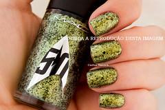 MAC - Skin of Evil (Cinthia Emerich) Tags: esmalte unha nail nailpolish naillacquer nailenamel nailvarnish mac startrek skinofevil glitter duochrome