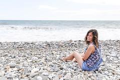 """Y como dijo Amaral """"an quedan das de verano..."""" (caloga) Tags: girl beach playa nerja molinodepapel maro"""
