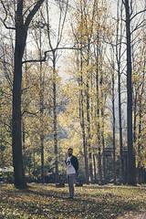 Jos ngel 2.0. // 06 (Lt. Sweeney) Tags: sesinfotogrfica color gente airelibre exterior sinflash luznatural iluminacinnatural luz light lighting otoo otoal autumn colores male hombre chico man masculino modelo model moda fashion streetphotography book reportaje encuadre frame framing clich mood canon photo photograph fotografa foto