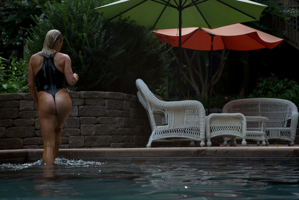 The world 39 s best photos of blonde and raybans flickr - Invisible edge pool ...