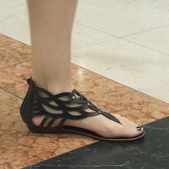 Street feet (351) (I Love Feet & Shoes) Tags: street sexy feet stockings pie shoes highheels sandals tights lingerie heels ps huf hoof bas pieds mules pantyhose schuhe casco piedi meias medias scarpe sandalias chaussures sapatos sandlias zapatillas sandalen  sandales  sabot sandali  strmpfe    calcanhares  fse