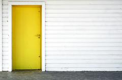 _DSF0339 (stephan.bravo) Tags: colors architecture graphics doors fuji planches fujixpro1 fujinonxf35mmf14