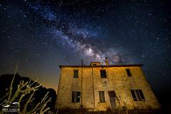 Haunted House (ppgarcia72) Tags: nikon samyang longexposure largaexposicin nikond610 samyang14mm vialactea milkyway noche nocturna lanscape paisaje casa house hauntedhouse estrellas stars
