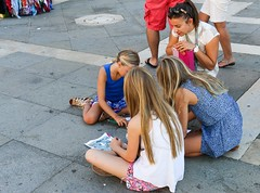 Activities on a Lion Hunt walk in Venice (Context Travel) Tags: lionhunt family docent walk activities venice best bestvenice bestdocent