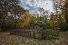 Isaac Burner Residence (Larry Senalik) Tags: 2016 canon dslr home illinois lincoln new salem state t3i autumn cabin fall historic log site