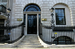 St James's Square, London (shadow_in_the_water) Tags: gradeilisted 177175 robertadam railings door porte window fentre fanlight lamps architecture steps 21stjamesssquare stjamessquare stjamess cityofwestminster london sw1