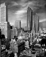 Midtown Manhattan, New York 1939 (Peer Into The Past) Tags: chaninbuilding stpatrickscathedral rcabuilding newyorkphotography photography blackandwhite vintage alfredeisenstaedt 1939 history nyc newyork manhattan midtownmanhattan