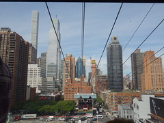 201609112 New York City Upper East Side and Roosevelt Island Tramway (taigatrommelchen) Tags: 20160938 usa ny newyork newyorkcity nyc manhattan uppereastside icon urban sky city building skyline ropeway station onboard street