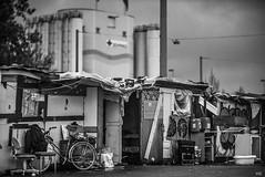 Slum Dwellings and Industry (*altglas*) Tags: frankfurt gutleutviertel slum slums armut kontraste contrasts bw monochrome