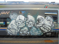 monster inside (en-ri) Tags: basil dna grigio indaco nero volti visi facce faces train torino graffiti writing