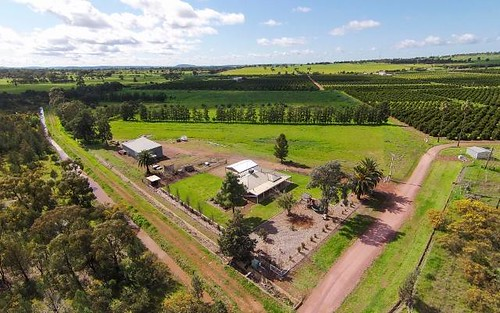 17 Lewis Road, Leeton NSW 2705