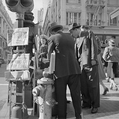 #People read the newspaper at the corner of Montgomery and Market Streets in San Francisco, on the morning of Monday December 8, 1941  the day after the Japanese attacked Pearl Harbor. [788  788] #history #retro #vintage #dh #HistoryPorn http://ift.tt/2 (Histolines) Tags: histolines history timeline retro vinatage people read newspaper corner montgomery market streets san francisco morning monday december 8 1941  day after japanese attacked pearl harbor 788  vintage dh historyporn httpifttt2h0byxz