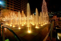 Christmas in KC (KC Mike D.) Tags: fountain cityoffountains kc kcmo kansascity missouri crowncenter christmas tree christmastree mayors water lights festive decorations glow light railing pattern