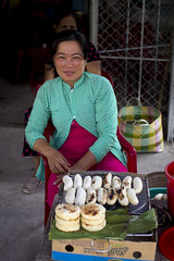 "Banana lady • <a style=""font-size:0.8em;"" href=""http://www.flickr.com/photos/69554238@N03/20371089703/"" target=""_blank"">View on Flickr</a>"