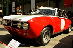 #224 Alfa Romo 1750 GTAM 1969 (seb !!!) Tags: auto old red italy white paris france rot classic cars 1969 blanco branco race canon rouge photo coach rojo italian automobile italia 2000 foto tour image champs elyses picture competition grand voiture racing course vermelho alfa 1750 palais hood seb gt bild oldtimers rosso weiss bianco blanc italie imagen coup capot imagem ancienne automvil 224 optic populaire classique anciennes wagen automobil capucha youngtimers 2015 automvel italienne cap romo cappuccio gtam klassic blanquecino 1100d abzugshaube