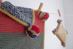 Manta (Mi Mitrika) Tags: tricot manta lã pompons quadrados arraiolos adufe zagal 100lã