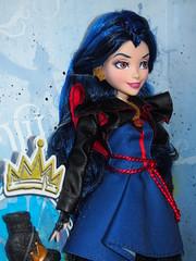 DisneyStore Descendants Evie (sh0pi) Tags: lost doll disney evie isle disneystore hasbro puppe descendants