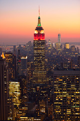 New York City [7974] (cl.lin) Tags: world newyorkcity sunset newyork night one nikon cityscape dusk manhattan rockefellercenter center empirestatebuilding rockefeller trade topoftherock nikon70200mm