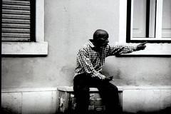 09. No intentes jugar conmigo (Rubn T.F.) Tags: black white bnw street old mood crazy men