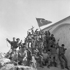#TMT Turkish Cypriot militia members during the Inter-communal Conflict. (1964) [794  794] #history #retro #vintage #dh #HistoryPorn http://ift.tt/2eiedH8 (Histolines) Tags: histolines history timeline retro vinatage tmt turkish cypriot militia members during intercommunal conflict 1964 794  vintage dh historyporn httpifttt2eiedh8