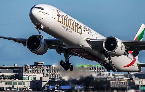 Boeing 777-36NER A6-EBO