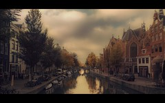 On A Quiet Autumn Morning (Nico Geerlings) Tags: ngimages nicogeerlings nicogeerlingsphotography amsterdam autumn oudezijdsachterburgwal canal bridge oldcity historiccenter holland netherlands fujifilmxt2 xf14mm