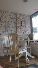 Shabby Chic (Katie_Russell) Tags: ni nireland northernireland norniron ulster ireland portrush coantrim countyantrim pankydoo cafe chair chairs table shabbychic