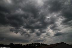 Un temps orageux ce jour l (antoinebouyer) Tags: orage orageux gris noir sombre mto temps nuage ciel sky cloud