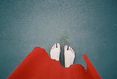 (EYLUL ASLAN) Tags: red feet girl germany dsseldorf summer toes swim lake rhein sand film