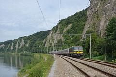 IC 2409 @ Marche-les-Dames (Wesley van Drongelen) Tags: nmbs sncb br serie srie type reeks hle 21 hle21 voitures m4 rijtuigen ic intercity lijn ligne 125 l125 marche les dames train trein zug