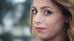 Carmen di Lauro (elparison) Tags: love blonde vicoequense eyes sguardo occhi attesa red lips labbbra girl