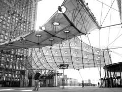 Arche de la Defense - Paris (Roy Guadalupe) Tags: paris de la defense arche