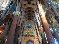 La Sagrada Familia /Temple Expiatori de la Sagrada Famlia (Denyliz Rodgz) Tags: barcelona travel church architecture gaudi iglesias churchs