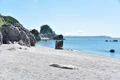 Niijima (eliseteshiraishi) Tags: costa praia beach japan strand tokyo sand playa paisagem getty plage beiramar  spiaggia gettyimages platja tranquilscene niijima gettyimage   plaj quebramar aoarlivre perfectescape  hitn gettyimagesjapan bchi badasga niijimamura  mamashitabeach
