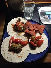 Krögar'n tipsar II 5/10 (Atomeyes) Tags: chili chips mat guacamole lime tortilla vatten bröd crémefraiche