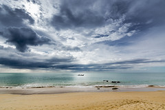 bring me home (jochenlorenz_photografic) Tags: sea sky beach nature sunshine rain clouds thailand outside lights boat nikon holidays heaven waves outdoor taxi naturallight explore capture khaolak andamansea wildnature tokina1116mm28 nikond7100 rolleic5i