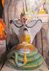 "Pindaya: la grotte aux 8000 bouddhas <a style=""margin-left:10px; font-size:0.8em;"" href=""http://www.flickr.com/photos/127723101@N04/23105392419/"" target=""_blank"">@flickr</a>"