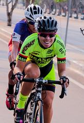Disputa (Luiz C. Salama) Tags: bike sport speed canon mulher bicicleta ciclismo esporte vitoria roadbike atleta byke feminina feminino 70d vencer canonef18135 vendero vendecora