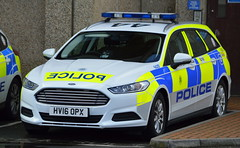 Hampshire Constabulary | Ford Mondeo | Area Car | 5629 | HV16 OPX (Chris' 999 Pics) Tags: hampshire police constabulary ford mondeo area response car aldershot station policing law enforcement 999 112 cop cops hv16opx