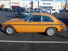 1971 MGB GT (splattergraphics) Tags: 1971 mgb gt mgbgt bgt mg carshow huntvalleyhorsepower huntvalleytownecentre huntvalleymd