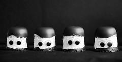 Vier Pilzköpfe (ingrid eulenfan) Tags: macromondays beatlesbeetles beatleskäfer pilzköpfe morenköpfe vier four mushroomheads beatles schw bw blackandwhite schwarzweis monochrome