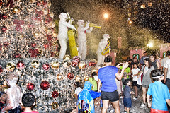 Tanglin Mall (chooyutshing) Tags: avalanche foamgenerated attractions tanglinmall christmasfestival2016 tanglinroad singapore